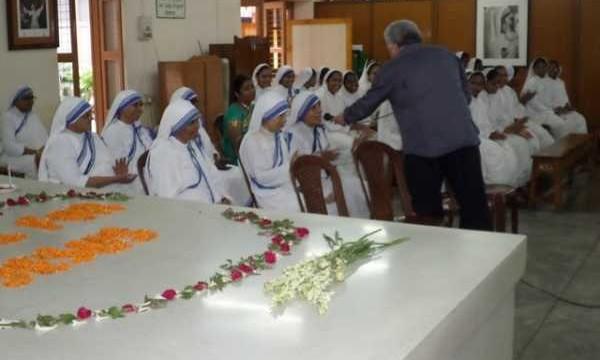 Concerto presso la tomba di M.Teresa per le Suore