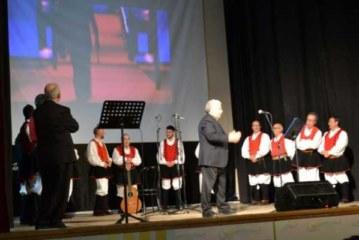 Concerto Teatro Smeraldo in Sassari con il Coro Usini 11-03-2017